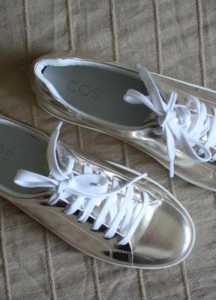 Золотистые кроссовки сникерсы   cos 39-40 кожа