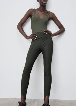 Зелёные штаны леггинсы со штрипками zara лосины хаки зара оригинал
