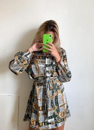 Стильное платье на кнопках под пояс