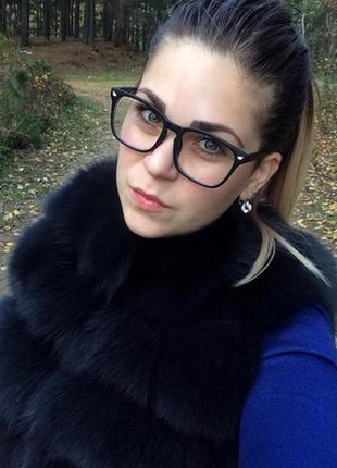 Стильные очки в черной матовой оправе