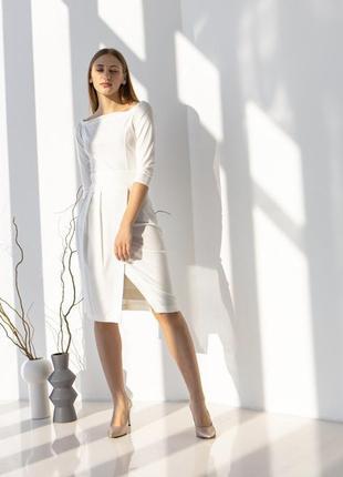 Облягаюча сукня