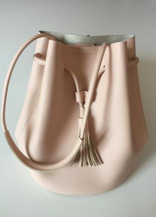 Пудровая сумка-рюкзак из эко-кожи
