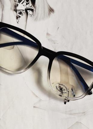 Компьютерные очки квадратной формы