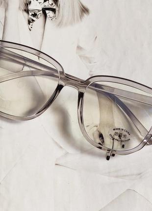 Компьютерные очки квадратной формыпрозрачные серые