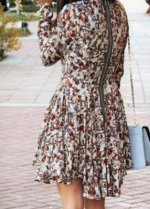 Крутое стильное платье с пышной юбкой
