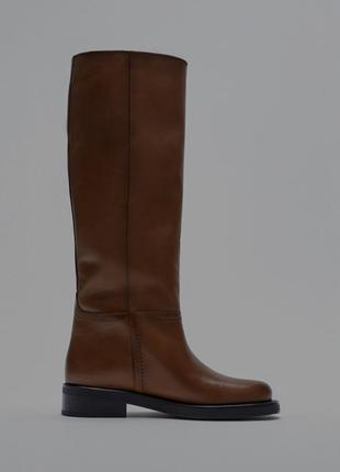 Zara коричневые сапоги без замка