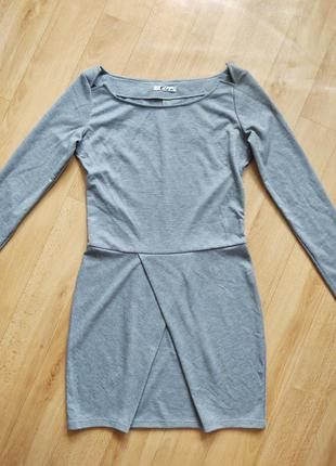 Серое платье размер s осень