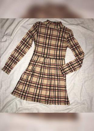 Жіноча міні сукня в клітинку