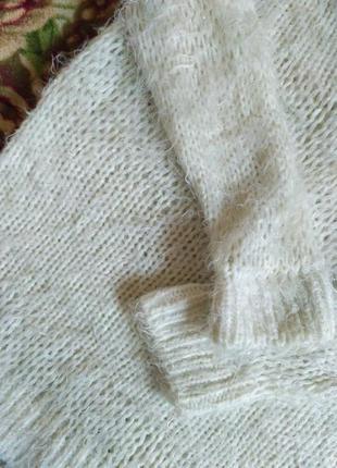 Пушистый белый свитер травка с-м