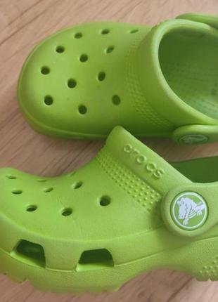 Шлёпанцы фирмы crocs, размер 22-23.
