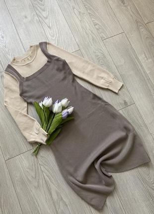 Лаконичное платье с имитацией сарафана из плотной вискозы