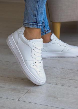 Демисезонные кроссовки кеды из эко кожи белые