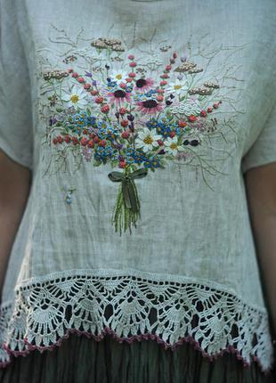 """Льняная блуза с ручной вышивкой """"букет"""""""