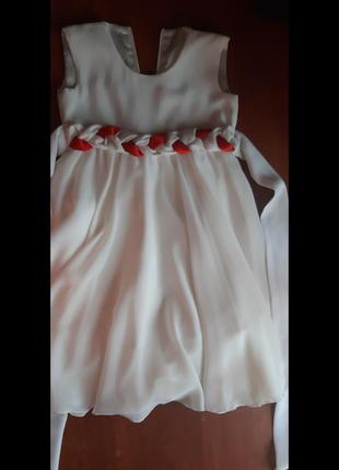 Сукня на дівчинку на 5-6 років