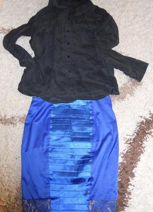 Красивая юбка с атласными вставками