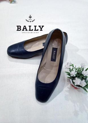 Фирменные брендовые оригинальные винтажные классические женские туфли bally