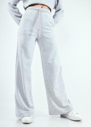 Свободные брюки на шнурке