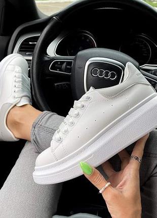 Кросівки ♥️