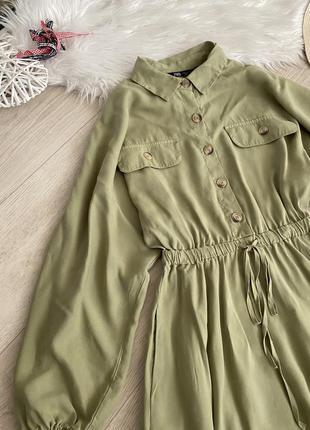Актуальное, новое платье с карманами от zara