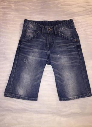 Джинсовые шорты h&m на 8-9 лет рост 134 см.