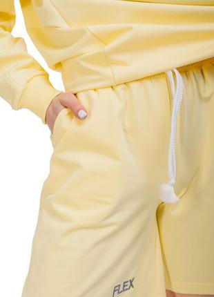 Удобные свободные шорты с высокой талией