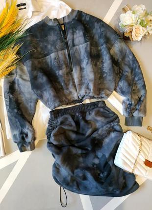Шикарный трендовый костюм свитшот короткая юбка теплый на флисе комплект толстовка тай дай