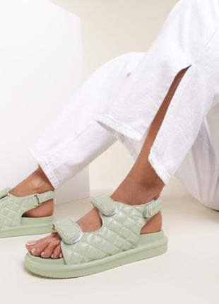 Босоніжки /сандалі 💚