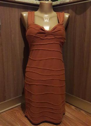 Трикотажное платье цвета корица