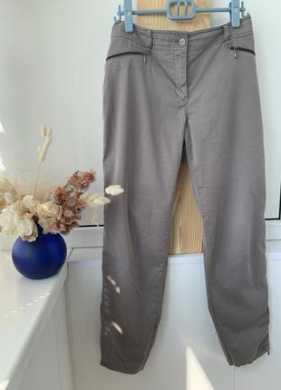 Серые штаны брюки