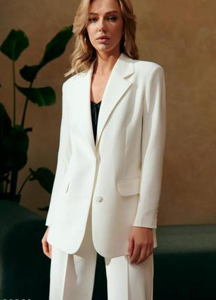 Белый пиджак оверсайз