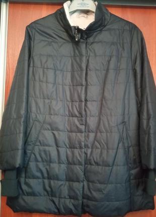 Лёгкая курточка с трикотажными манжетами