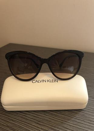 Очень красивые очки от calvin klein