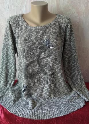 Отличный  коттоновый свитерок с пайетками