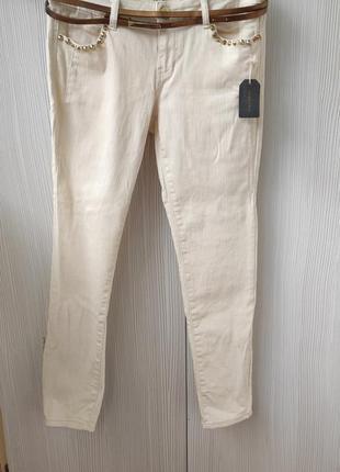 Женские укороченные  джинсы скинни forever 21 кремового  цвета р.46-48/uk12