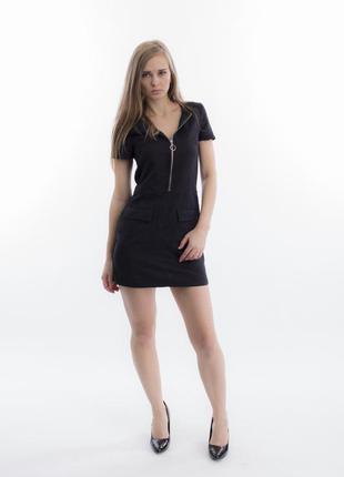 Короткое платье темно-синего цвета