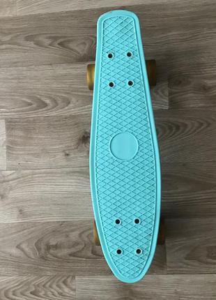 Пениборд ( скейт ) , со светящимися колёсами