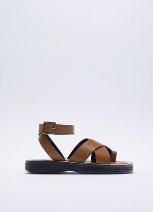 Кожаные босоножки сандали zara