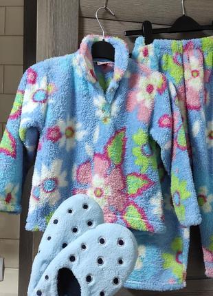 Пижама теплая 140 размер флис и тапочки в подарок