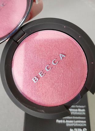 Сияющие румяна becca luminous blush в оттенке snapdragon