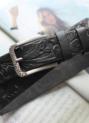 Женский кожаный ремень с тиснением узор