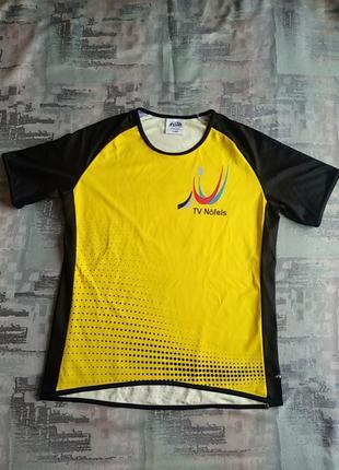 Женская  спортивная футболка фирмы andeer.l-ка.