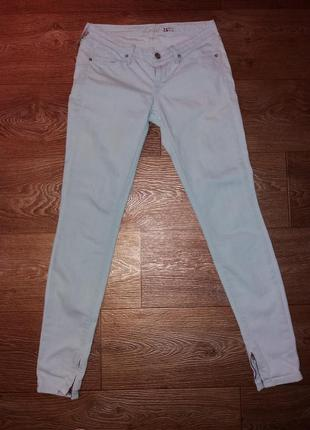 Новые джинсы levis 26 размера