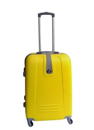 Качественный средний чемодан! ormi, италия, из прочного пластика