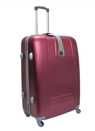 Качественный чемодан! ormi, италия, из прочного пластика