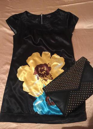 Шелковое платье выше колена