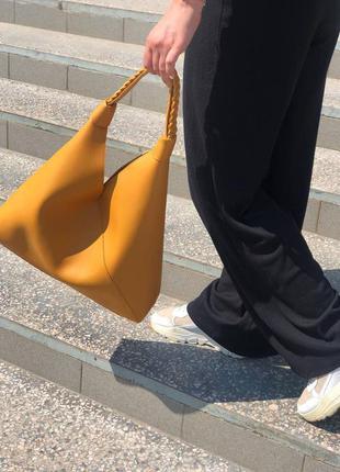 Желтая большая сумка шоппер с одно ручкой на плечо женская сумочка мешок модная красивая