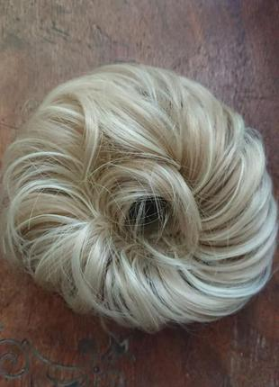 Резинка-пучок блонд с пепельным оттенком