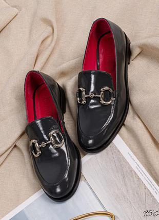 Элитные кожаные лаковые туфли лоферы