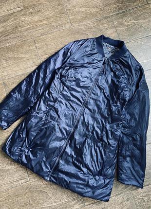 Очень качественная осенняя куртка на две стороны. оригинал