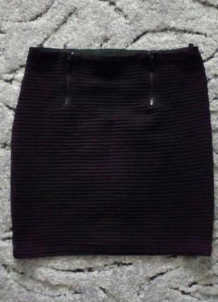 Тепленькая мини-юбка bershka